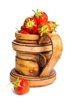 Free Wooden Mug With A Fresh Strawberry Stock Photo - 9951870