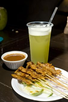 Free Traditional Satay Dish Royalty Free Stock Image - 9951916