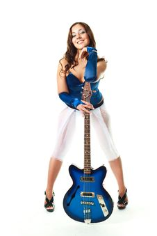 Free Sexy Girl With A Guitar Royalty Free Stock Images - 9953079