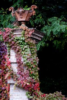 Free Well Dress Pillar In Autumn Stock Photography - 9954362