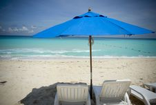 Free Lounge Chairs At The Beach Stock Images - 9957614