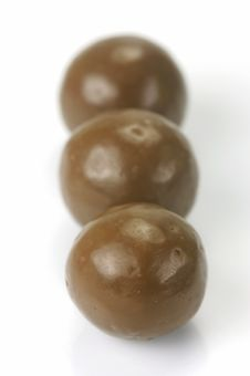 Free Chocolate Coated Balls Royalty Free Stock Photos - 9959628
