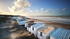 Free Changing Huts On An Empty Beach Royalty Free Stock Photos - 99545838