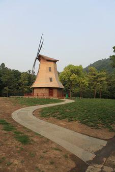 Free Windmill01 Stock Photo - 9961570