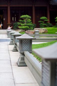 Free Ancient Japanese Style Lantern Royalty Free Stock Image - 9965016