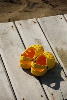 Free Sandals Royalty Free Stock Photos - 9967938