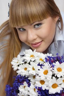 Free The Beautiful Woman With Flowers Stock Photos - 9968473