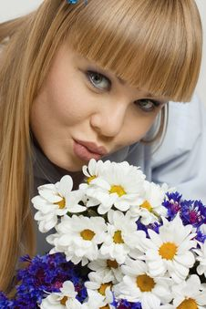 Free The Beautiful Woman With Flowers Royalty Free Stock Photo - 9968485
