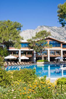 Free Swimming Pool Royalty Free Stock Image - 9972406