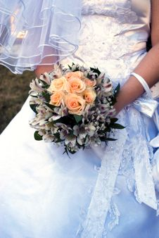 Free Wedding Bouquet Royalty Free Stock Photo - 9975475