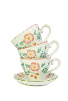 Free Stack Of Three Porcelain Tea Cups Isolated Royalty Free Stock Image - 9975516
