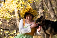Free Woman And Dog Royalty Free Stock Image - 9978156