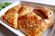 Free Puff-pastry Pasties Filled In Fresh Sorrel Royalty Free Stock Photos - 9978598