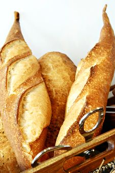 Free Bread In Basket Royalty Free Stock Image - 9979646