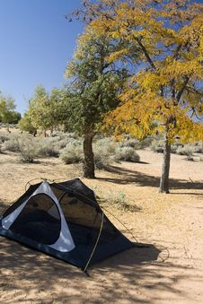 Free Campsite With Tent In Desert Stock Photography - 9979852