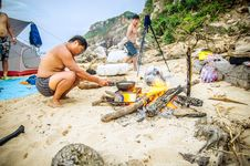 Free Family At Campsite On Beach Royalty Free Stock Photo - 99789495
