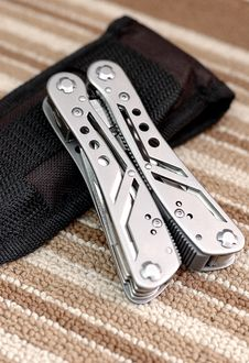 Free Multitool Royalty Free Stock Image - 9980716