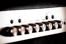 Free Guitar Amp Controls Royalty Free Stock Photography - 9982337