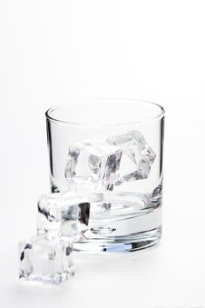Free Alcoholic Beverage Whith Ice Cubes Royalty Free Stock Images - 9982889