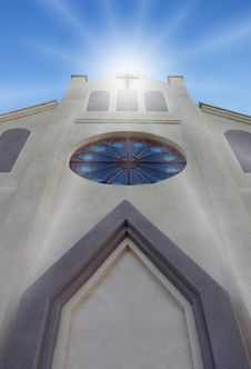 Free Cathedral Front With Cross Royalty Free Stock Image - 9986626