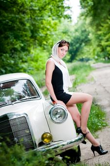 Free Beautiful Pin-up Styled Girl Stock Images - 9986664