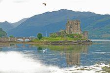 Free Eilean Donan Castle On An Overcast  Evening. Stock Photo - 9987180