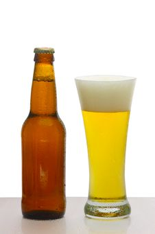 Free Glass Of Beer Royalty Free Stock Photos - 9987558