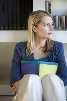 Free Female Student Portrait Stock Images - 9988774