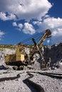 Free Yellow Excavator Royalty Free Stock Images - 9991569