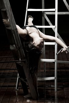 Free Ballet Dancer On Ladders Royalty Free Stock Photography - 9990287