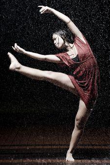 Free Ballet Dancer In The Rain Stock Photos - 9990383