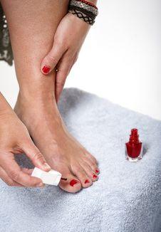 Free Toes With Nail Polish Royalty Free Stock Image - 9990696