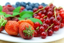 Free Fresh Ripe Summer Berries Background Royalty Free Stock Image - 9991256