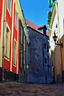 Free Cobbled Street Tallinn, Estonia Royalty Free Stock Photography - 9993167