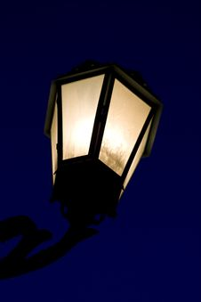 Free Decorative Lamp Post In The Night Royalty Free Stock Photography - 9993997