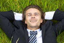 Free Well-dressed Young Businessman Is Resting Royalty Free Stock Photos - 9997588