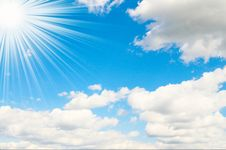 Free Sunbeams High On The Blue Sky. Royalty Free Stock Image - 9999256