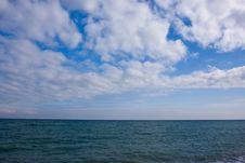 Free Sea And Blue Sky Royalty Free Stock Photo - 9999795
