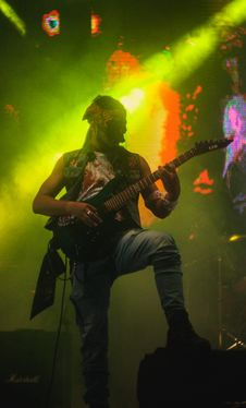 Free Rock Guitarist Stock Photos - 99939993