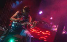 Free Rock Guitarist Stock Photography - 99940042